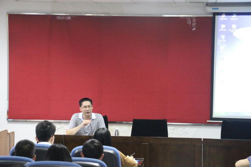 文学院学生党支部支委本学年系列培训首场活动顺利举行