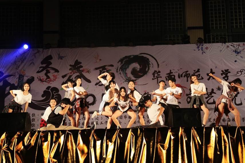 校区艺术团街舞队《BOOMBAYAH》04.jpg