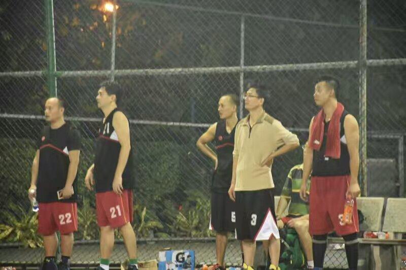 南海校区组队参加学校教工篮球赛