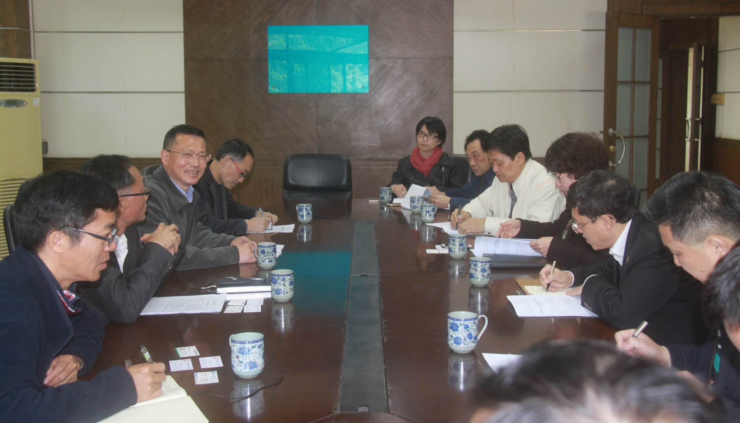 佛山市副市长俞进一行到南海校区考察指导.jpg