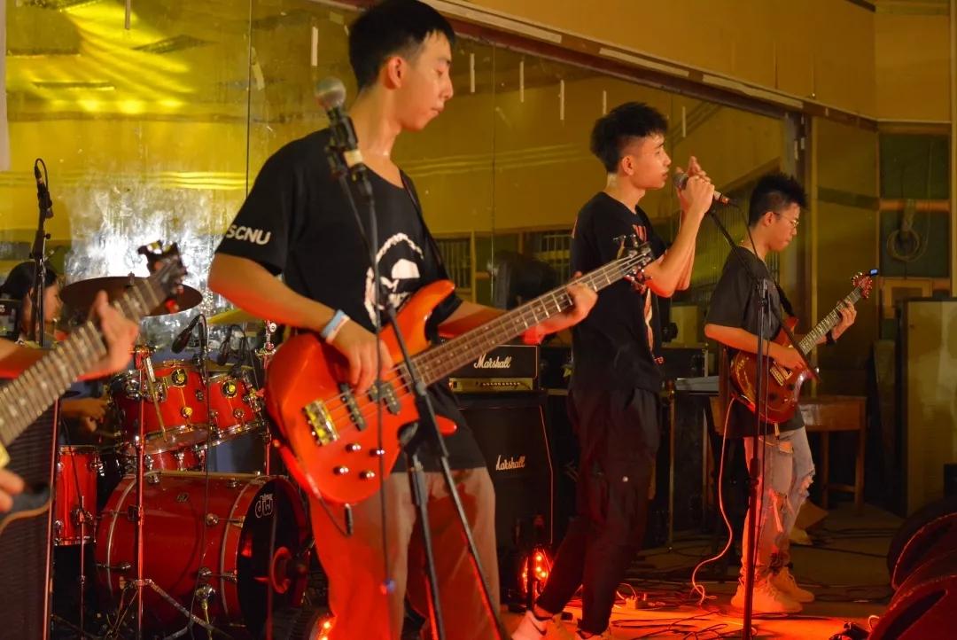 吉他1.jpg