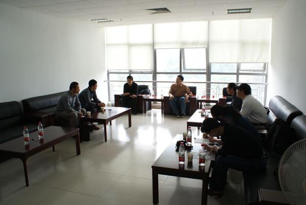 三峡大学体育学院党委张春平书记一行访问我院