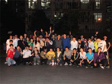 """体育科学学院第13届""""舞动芳华,绽放光彩""""女生节舞会顺利举行"""