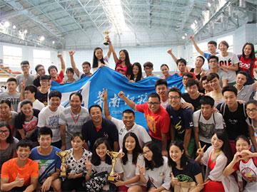 我校游泳队连续7年蝉联省大学生游泳比赛乙组团体总分冠军