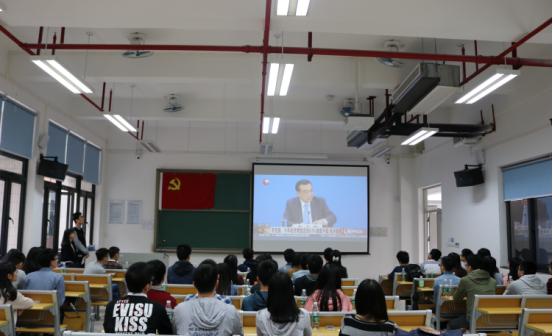 """本科2014级党员走入华工校园开展""""2+2""""两校两会学习交流"""