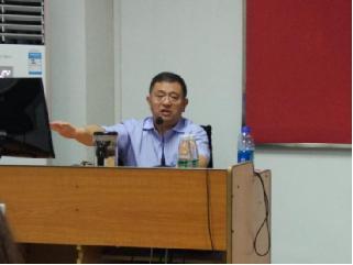 """文学院""""珠江人文讲坛""""系列报告之二十三成功举办——五四新文学的经典意义"""