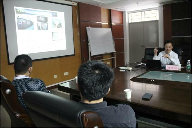 【信息光电子科技学院】华中科技大学唐霞辉教授到信息光电子科技学院讲学