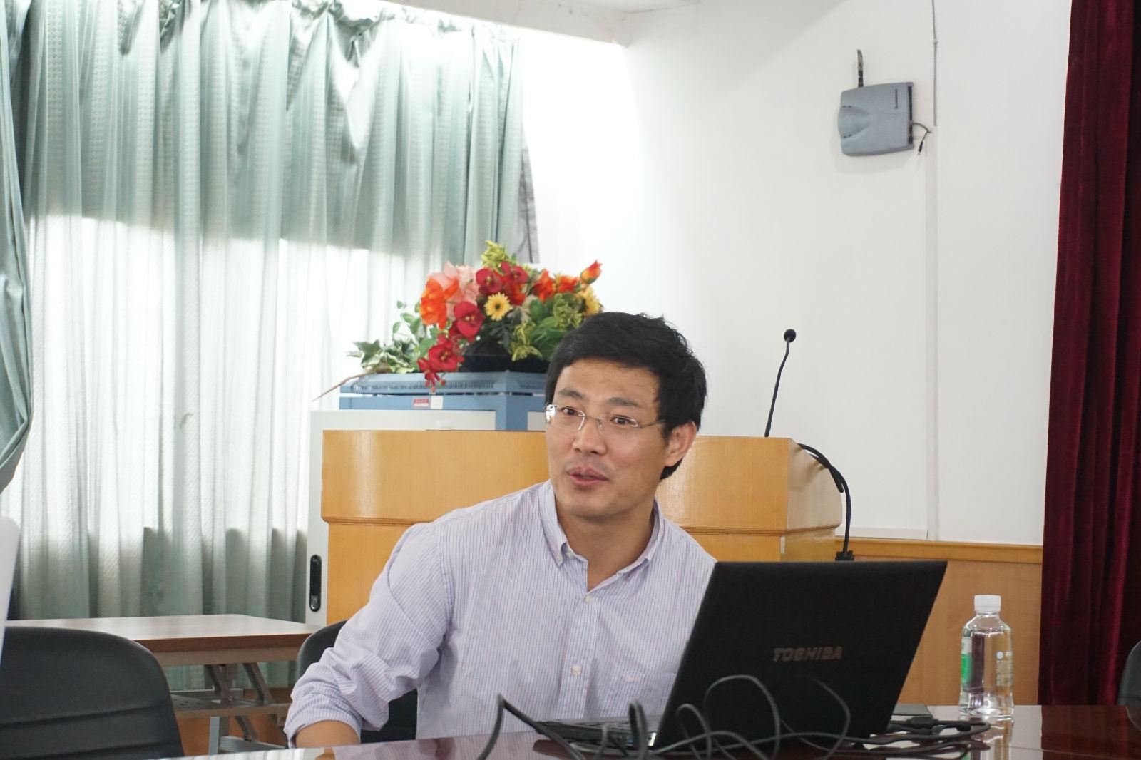 【教信学院】南洋理工大学王其云副教授应邀到我校教育信息技术学院做学术报告